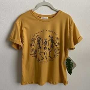 NWT | skeleton friends graphic tee